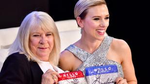 Scarlett Johansson elment partizni nagymama hasonmásával