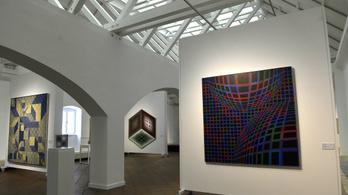 Megnyitották a felújított Vasarely Múzeumot