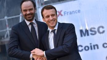 Macron elfogadta a lemondását, aztán újból kinevezte