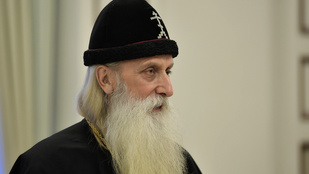 Napi agybaj: egy orosz érsek szerint a szakáll megvéd a homoszexualitásól