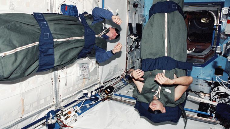 Az űrhajósoknak folyamatosan hőemelkedésük van