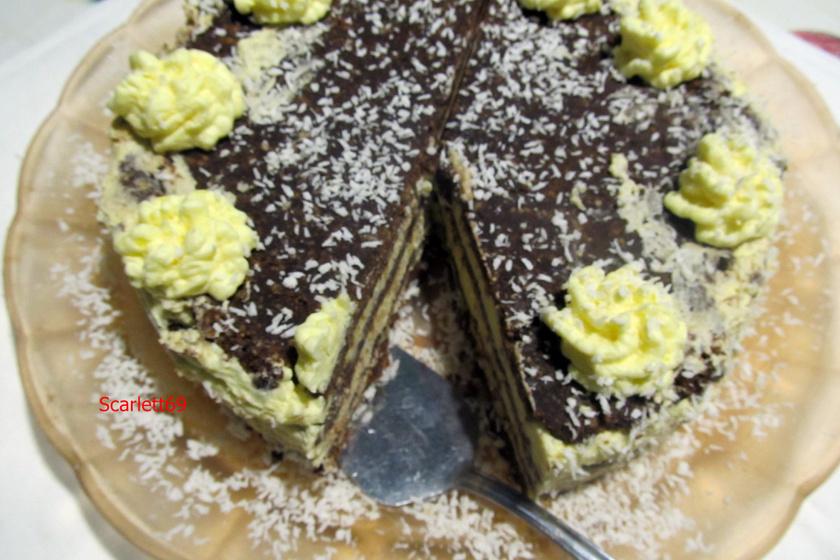 Keksztekercs-torta