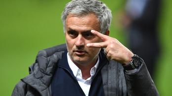 Adócsalással vádolják José Mourinhót
