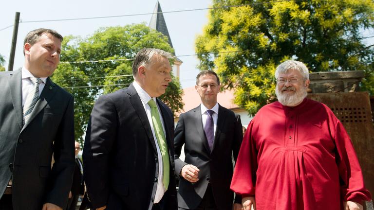 Orbán Viktor kivételes államférfiúnak nevezte Horthy Miklóst