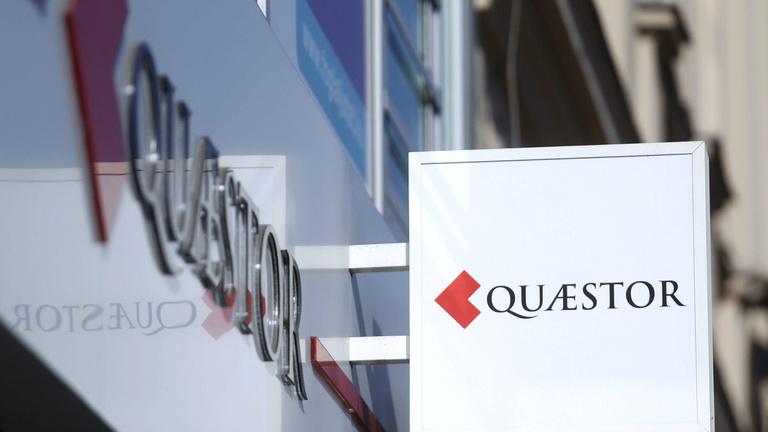 Bezárják az MNB simlijét szimbolizáló quaestoros bankot