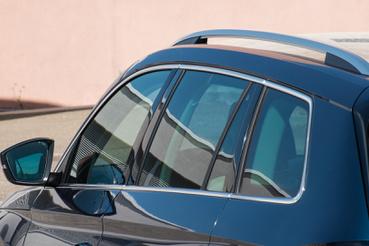 Egy szögletes, elegáns ablakvonal