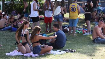10 dolog, amire a telefonáláson kívül még jó a mobil a fesztiválokon