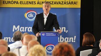 A DK egy tavalyi Gyurcsány-fotóval indítja a kampányt