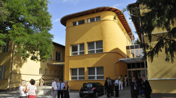 Az orvoshiány miatt kórházi osztályok zárnak be Jászberényben