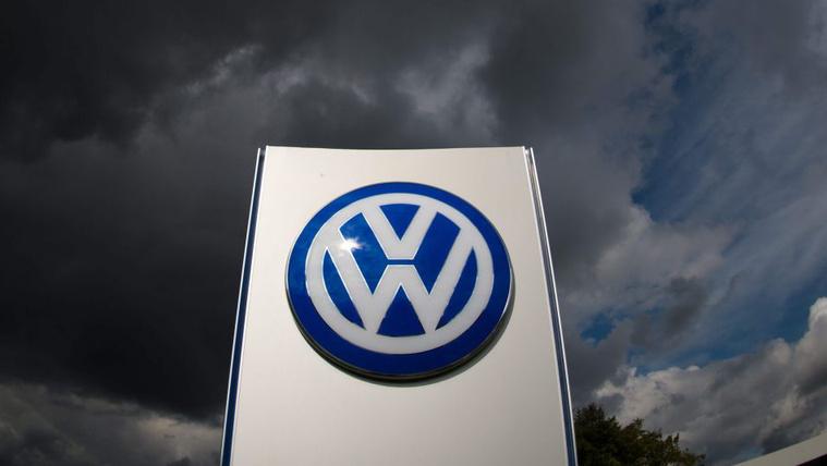 Európában is kénytelen visszavásárolni csalós autóit a Volkswagen
