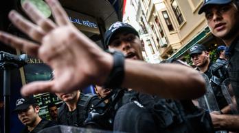Gumilövedékkel oszlatják az isztambuli Pride-ot