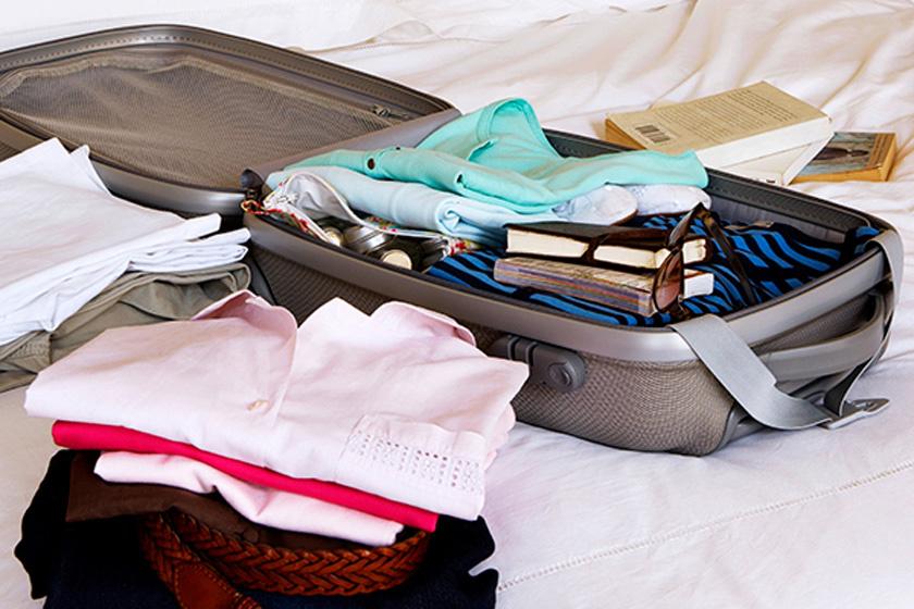 Így hajtsd a ruháidat, és háromszor annyi hely lesz a bőröndben