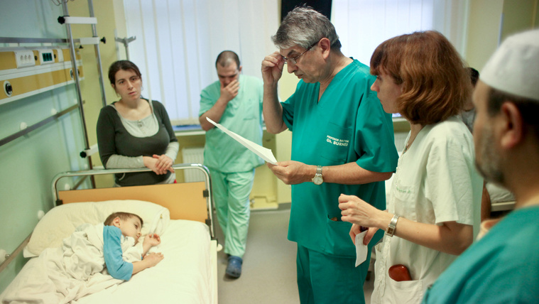 75 százalékkal nő az egészségügyben dolgozók bére Romániában