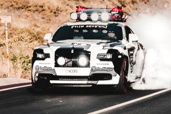 Abszurd szörnyeteg Rolls-Royce-ból