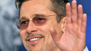 Egy pillanatig mindenki azt hitte, hogy Brad Pitt becsajozott, de úgy tűnik, mégsem