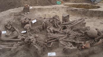 Tömegsírt találtak a hódmezővásárhelyi elkerülő út feltárásakor