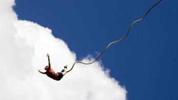 A rossz angoltudás miatt halt meg egy bungee jumpingoló lány
