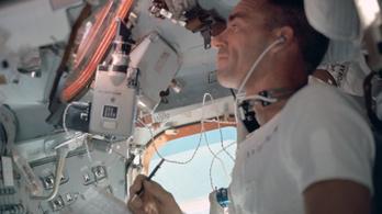 A milliárdokért kifejlesztett amerikai űrtoll és a szovjet űrceruza regéje