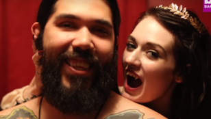 """""""A vérszívás kielégítőbb mint a szex"""" - állítja a vámpírként élő pár"""