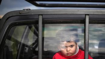 Bonyolult idegi folyamat miatt felejtik az autóban a gyereket