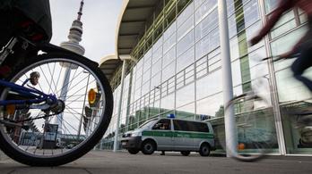 Nyilvánosan szexeltek és vizeltek a G20-as csúcsra Hamburgba érkezett rendőrök