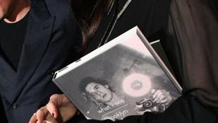 David Beckham fiának fotós könyve eddig elég nagy bukás