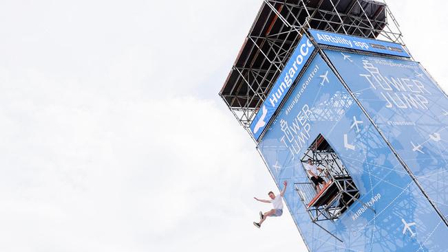 17 méteres irányítótornyot építettek a Voltra