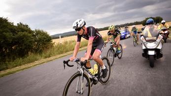 Csőbe húzták a Tour de Hongrie mezőnyét