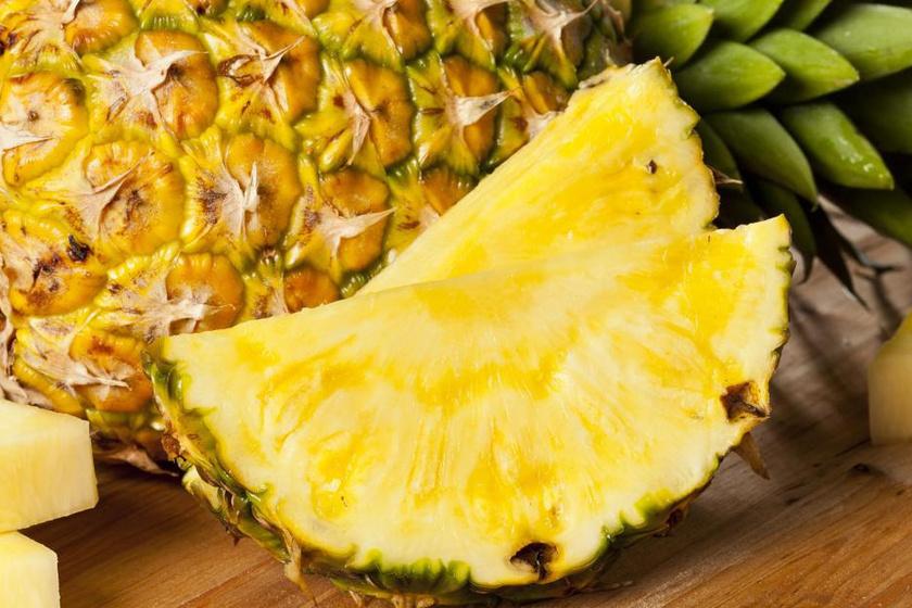 Az ananász nemcsak a férfiak illatára van jó hatással, hanem a nőkére is, ugyanis magas cukortartalma miatt édesít.