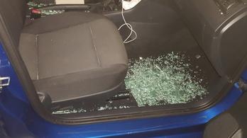 Átforrósodott autóból mentettek ki a rendőrök egy csecsemőt