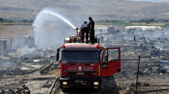 Leégett egy libanoni menekülttábor