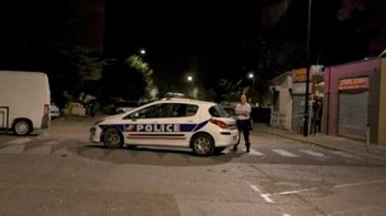 Lövöldöztek egy dél-franciaországi mecsetnél