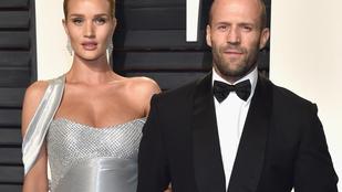 Megszületett Jason Statham és Rosie Huntington-Whiteley gyereke