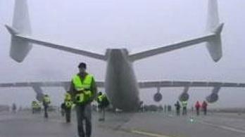 Budapesten landolt a világ legnagyobb repülőgépe