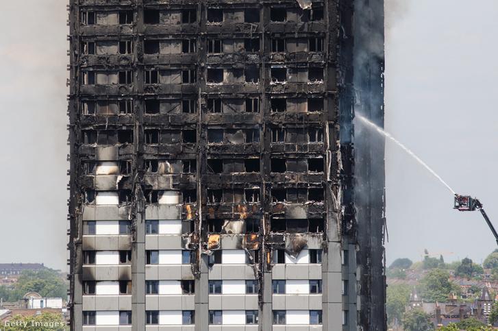 A Grenfell Tower 2017. június 14-én gyulladt ki Londonban