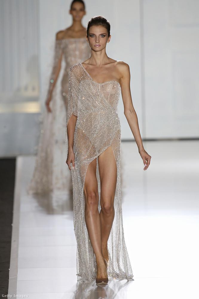 Ralph Russo nagyon hasonló ruhákban gondolkozott, csak vékonyabb modelleket alkalmazott.