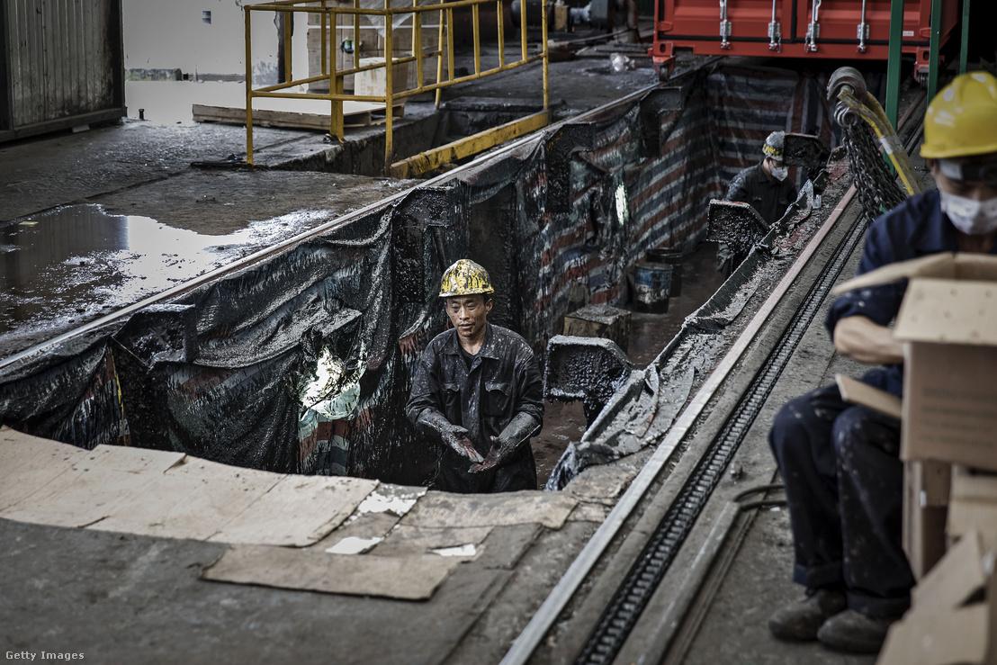 Konténer gyártás a Singamas Container üzemében