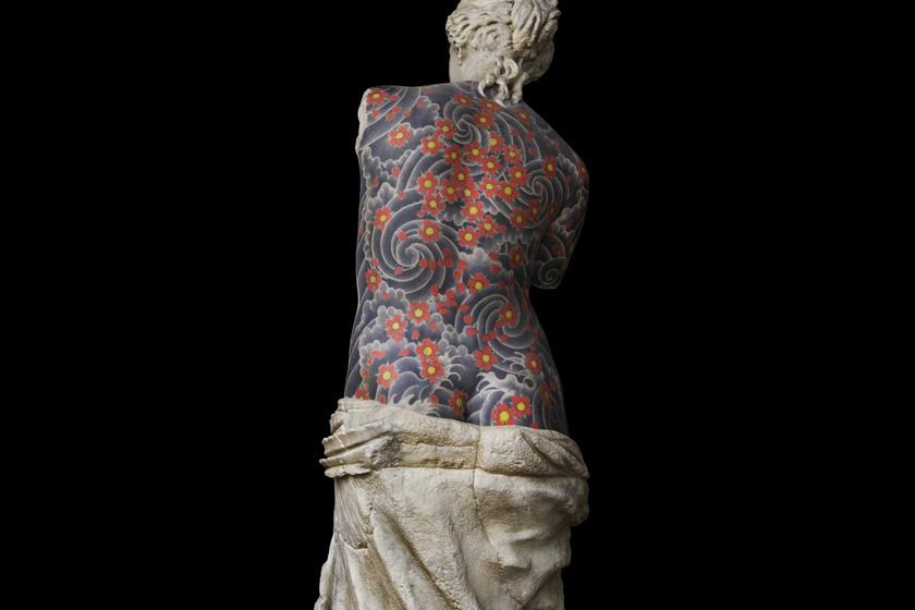 Ilyen helyen még sosem láttál tetoválást: izgalmas képek egy különleges művésztől
