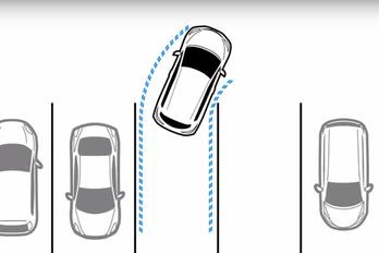 Magától parkol az új Nissan Leaf