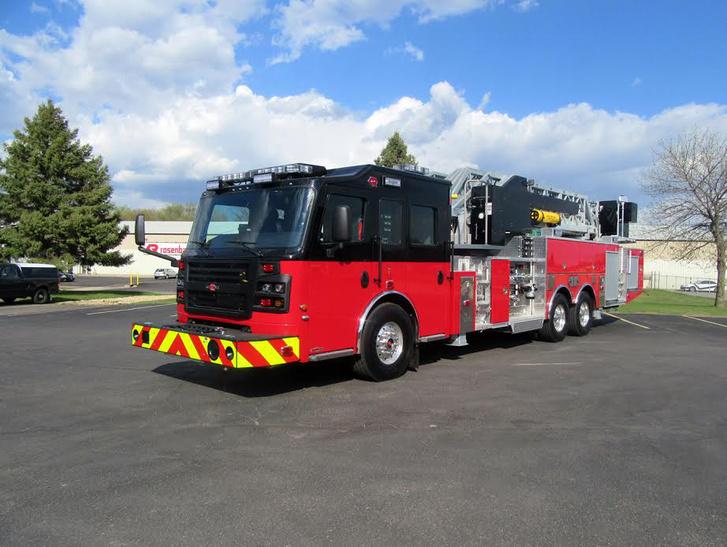 Hagyományos amerikai tűzoltóautókat is gyárt a Rosenbauer