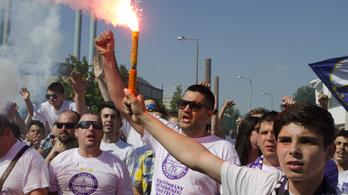 Iszonyúan berágtak az újpesti szurkolók, háborút ígérnek