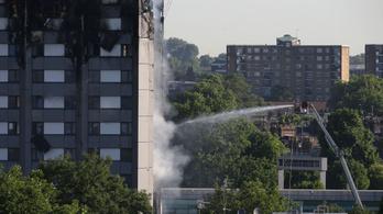 Késve ért oda a megfelelő felszerelés a londoni tűzvészhez