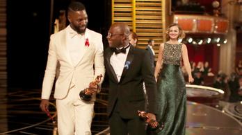 Újra forgat az Oscar-díjas Holdfény rendezője
