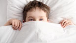 A kevesebbet alvó gyerekek gyorsabban öregszenek