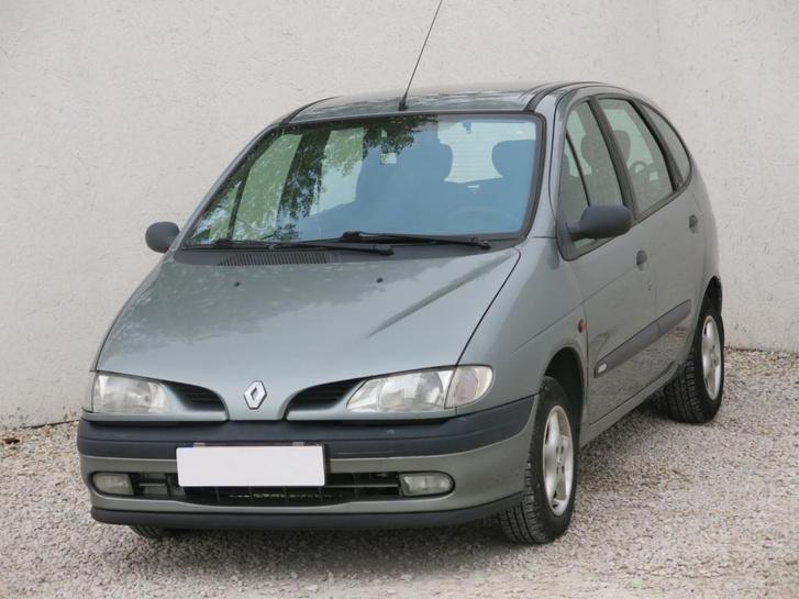 A Renault Scenic ma is jól használható autó, ha működik. Eltalált koncepció, de bizony a kor eljárt felette, sok a leharcolt