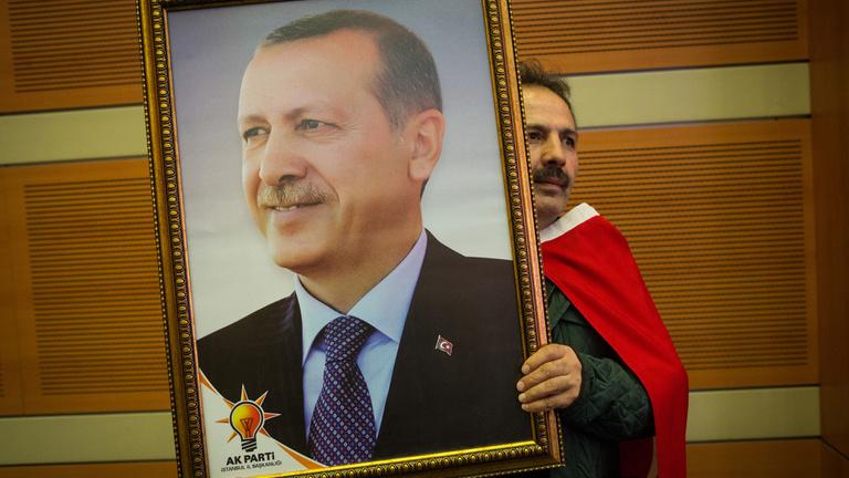Erdoğan kockázatos trükkel kapta össze a török gazdaságot