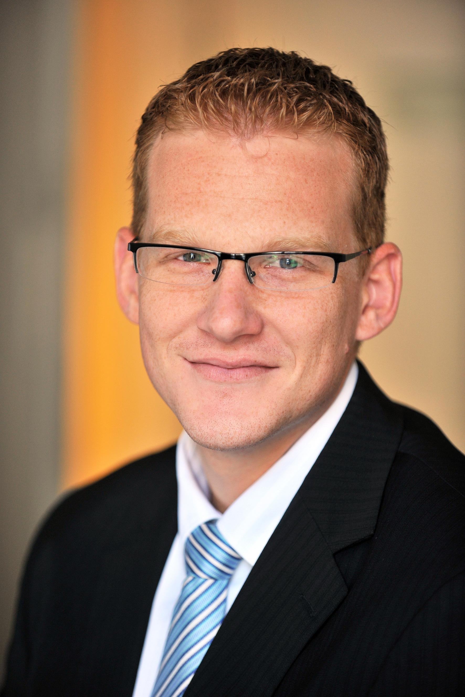 Sziráki László, az MKB Bank retail üzletirányítási szakterületének vezetője