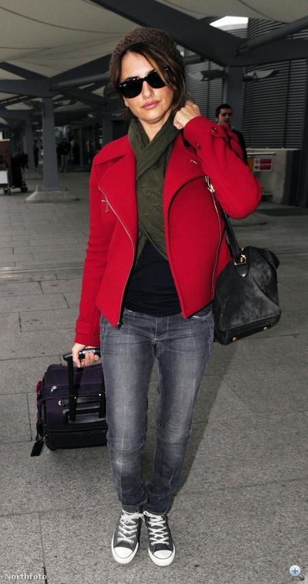 Penélope Cruz így utazott tavaly karácsony környékén