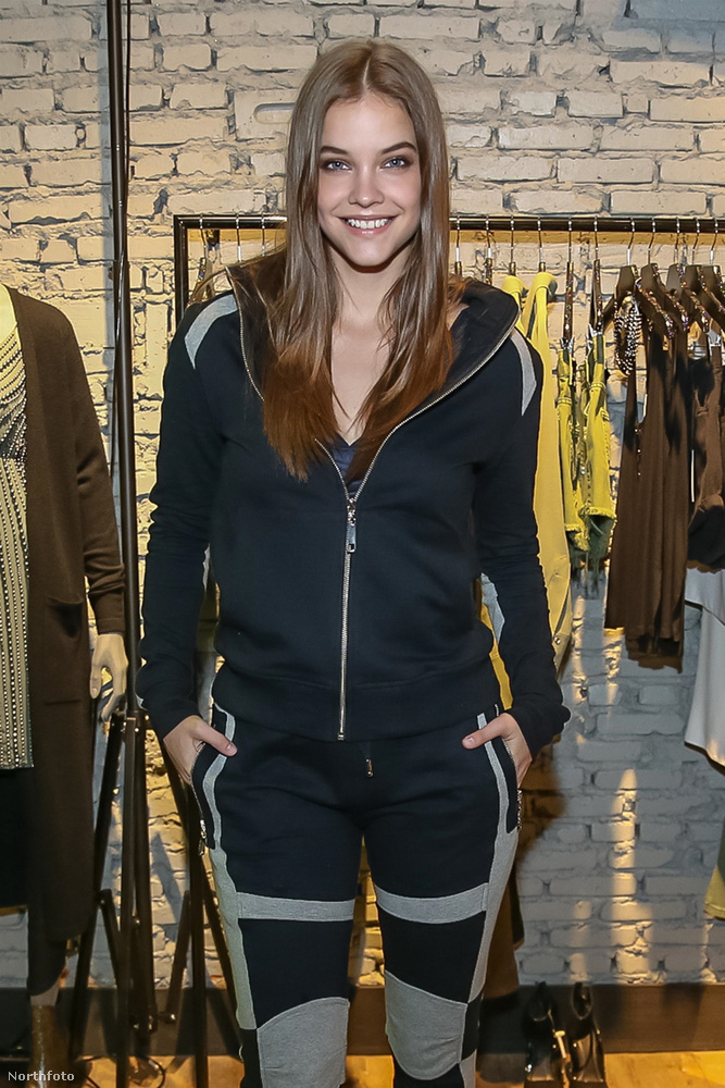 A magyar modell a Rosa Chá divatmárka új kollekciójának bemutatóján vett részt, tőle szokatlan öltözékben