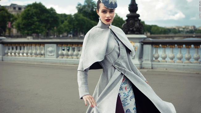 A világ legstílusosabb légikísérői haute couture-ben járnak